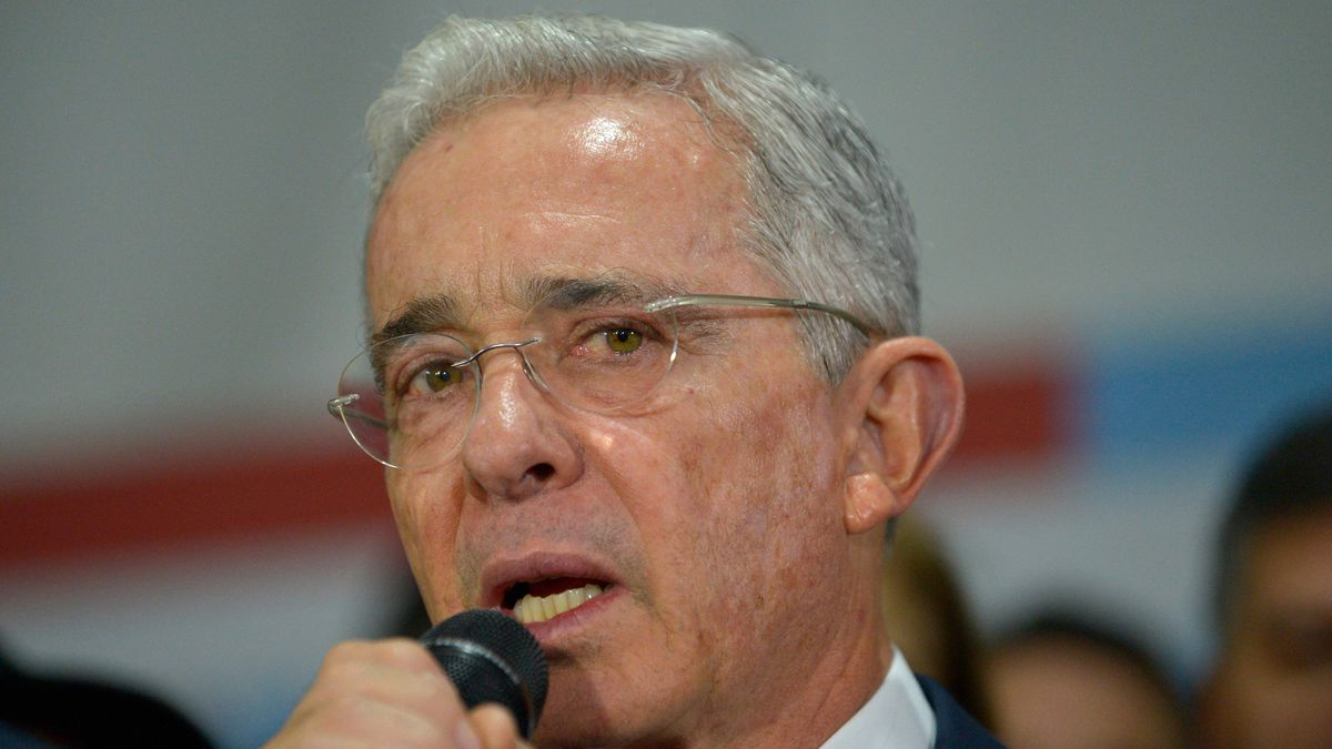 Iván Duque: Álvaro Uribe pide al ejército que utilice armas durante las protestas en Colombia    Internacional