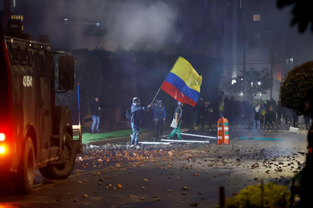 Duke lleva a los militares a las calles para realizar protestas contra la reforma fiscal  Internacional