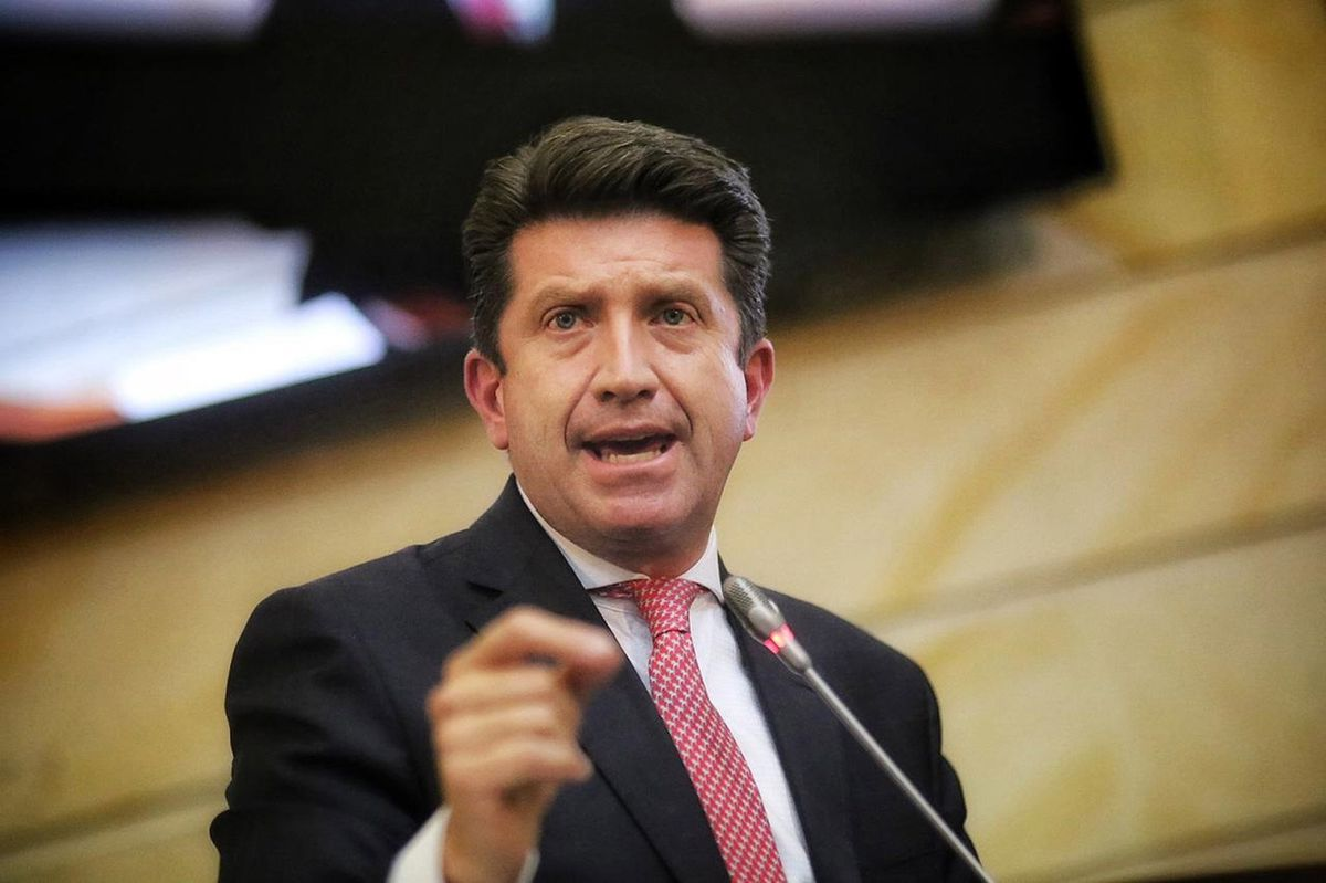 El Congreso de Colombia apoya al Ministro de Defensa y le da un descanso a Iván Duque  Internacional