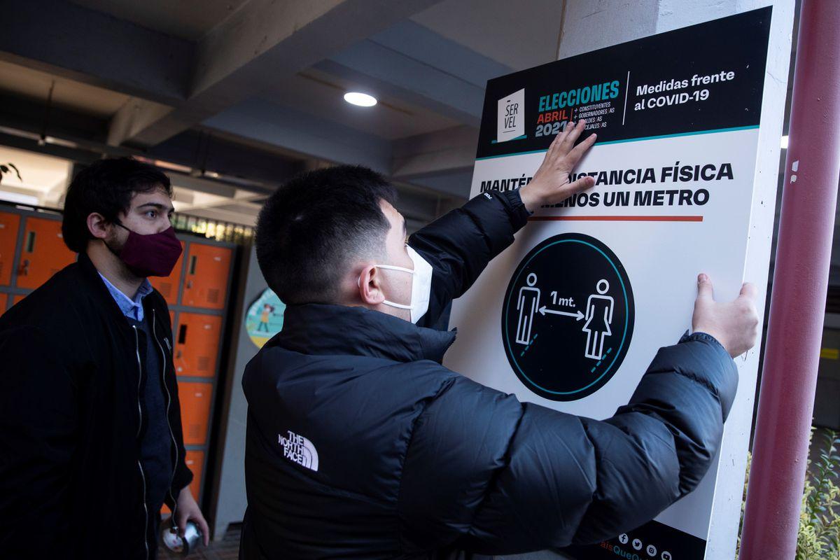 Elecciones chilenas: Las primeras elecciones democráticas de gobernadores cambian la estructura política de Chile  Internacional