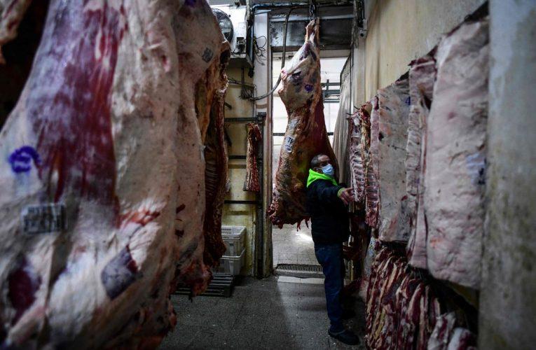 Inflación: gobierno argentino prohíbe exportaciones de carne por un mes  Internacional