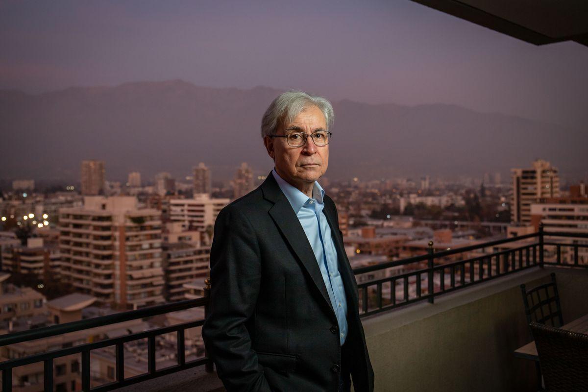 """Ivan Jaksic: """"Chile tiene una cultura en la que el clasicismo continúa y provoca descontento y violencia""""    Internacional"""