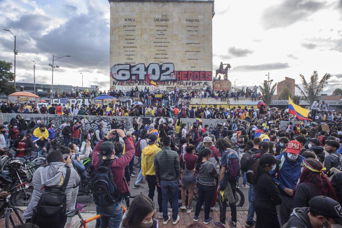 Protestas antigubernamentales: radiografía de jóvenes en Colombia  Opinión