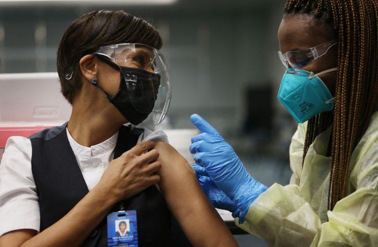 Turismo de vacunas: ¿Qué necesita saber antes de vacunarse en los Estados Unidos?
