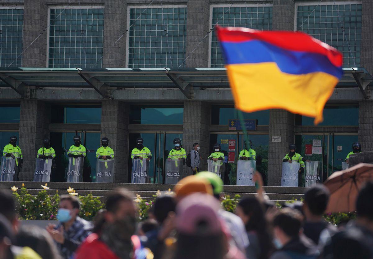 Violencia represiva en Colombia renueva llamado a reforma policial  Internacional