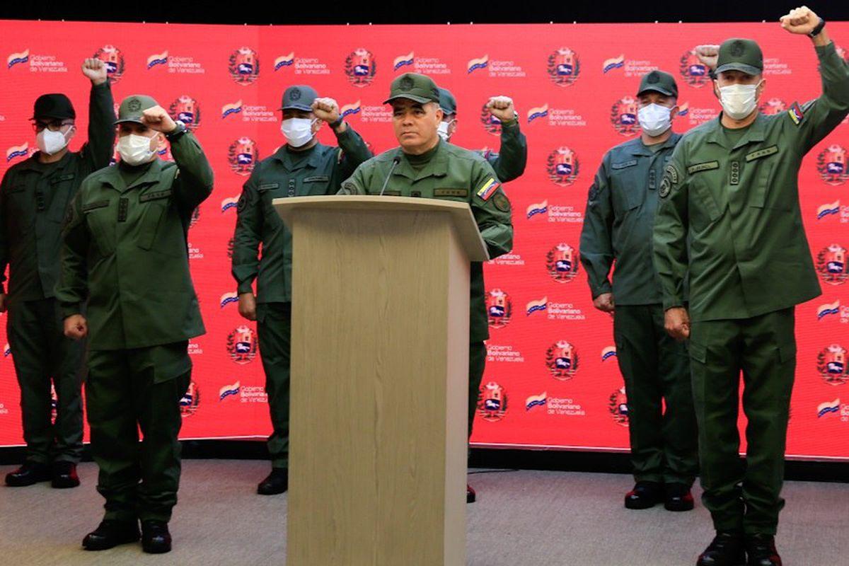 Vladimir Padrino: Venezuela condena el secuestro de ocho soldados en la frontera con Colombia |  Internacional