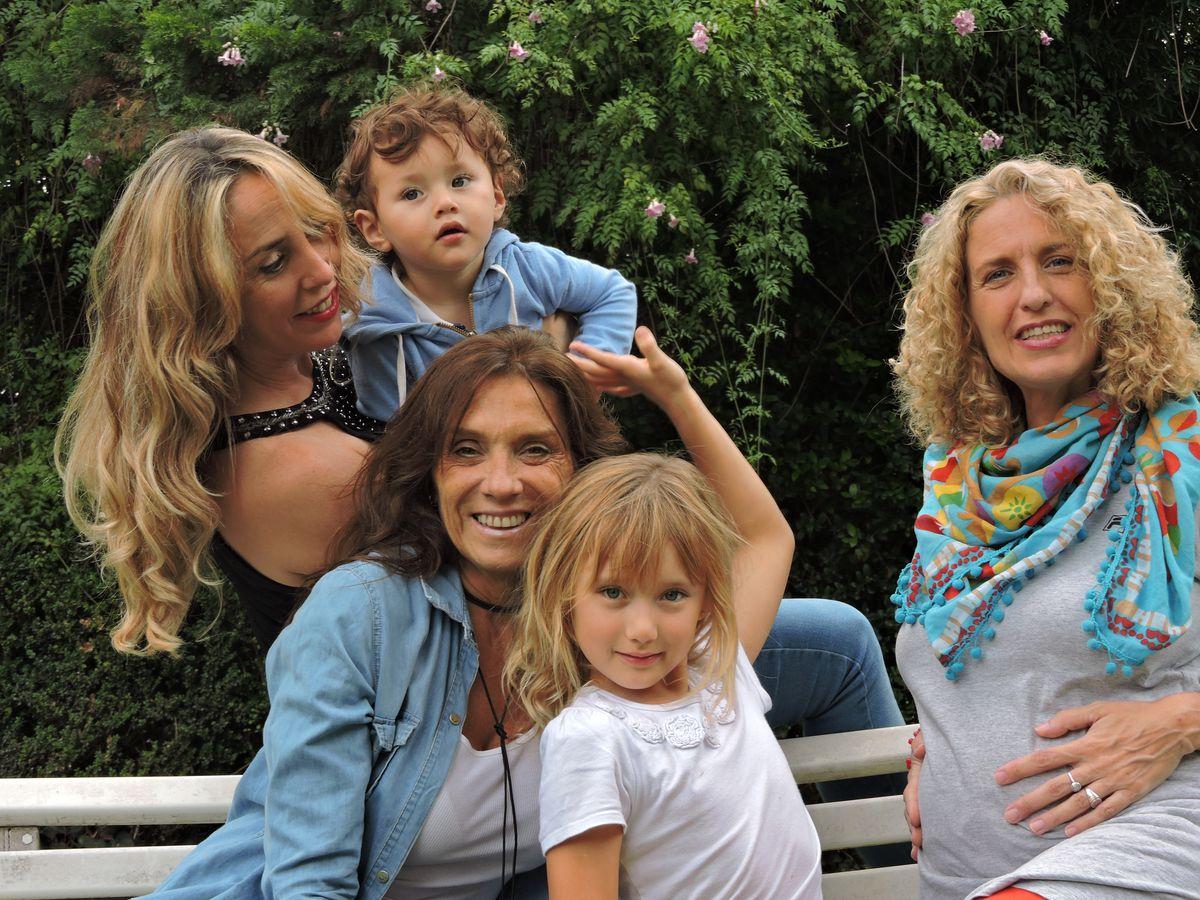 Argentina: Tres mujeres, tres hijos y una familia por donación de óvulos  Comunidad