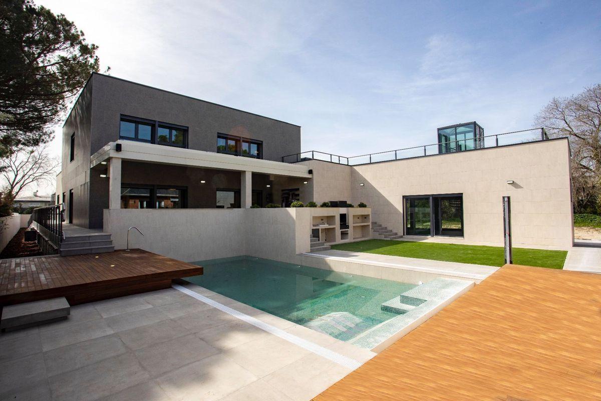 Así es la casa inteligente que pone a la venta el futbolista Marcos Llorente por 2,7 millones    Negocio