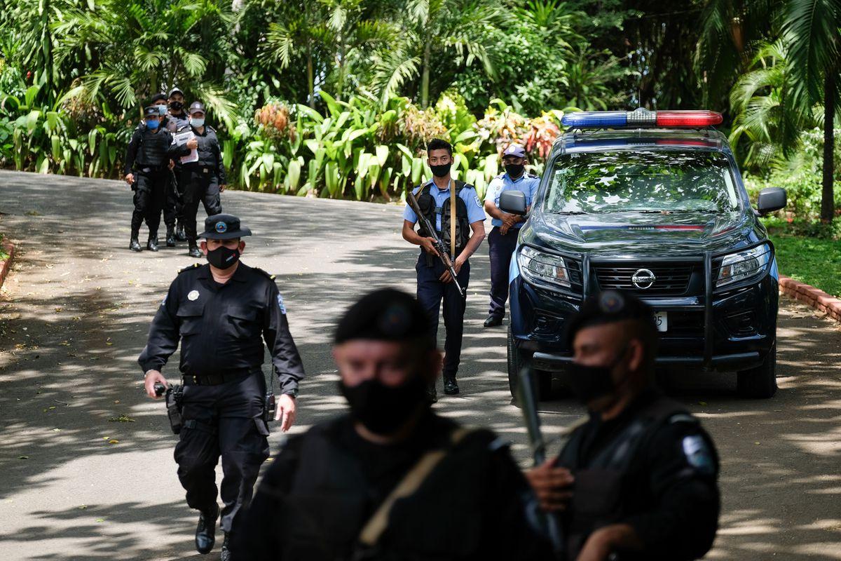 Autoritarismo: Nicaragua y Brasil: cómo mueren las democracias  Opinión