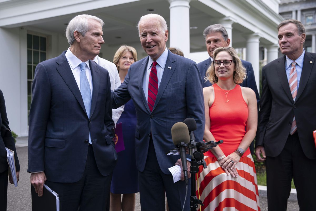 Biden anuncia acuerdo demócrata-republicano para mejorar el plan de infraestructura de Estados Unidos |  Internacional