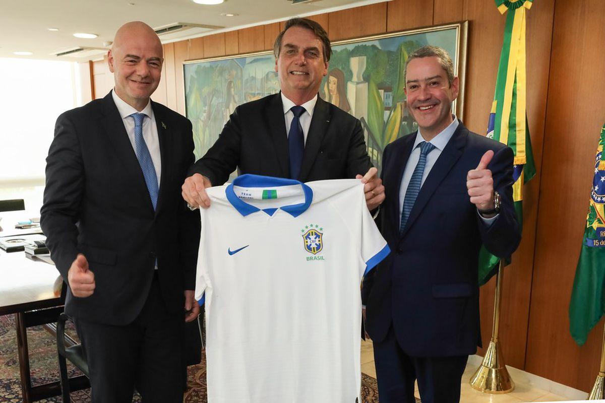 Brasil: El uso político de la Copa América aporta oxígeno a Bolsonaro  deporte
