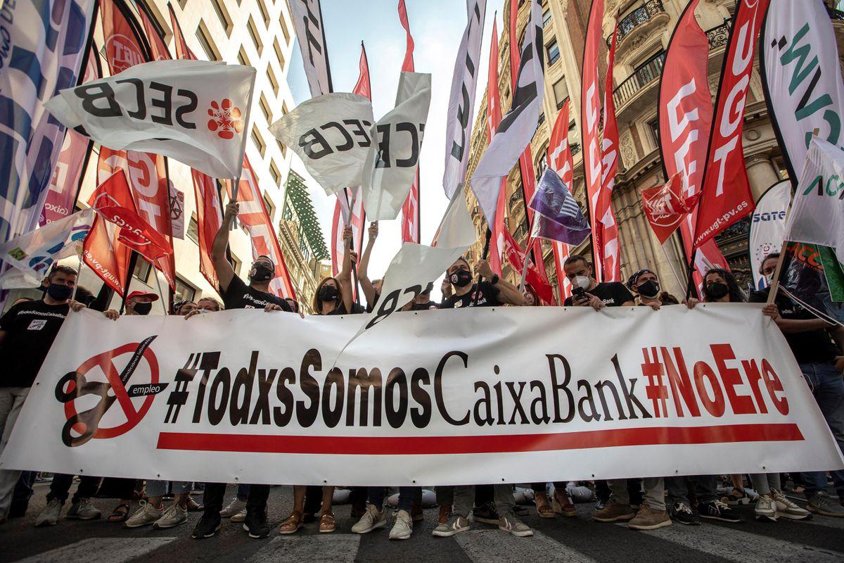 CaixaBank y los sindicatos se acercan al ERE tras la reducción de 6 452 despidos |  Ciencias económicas