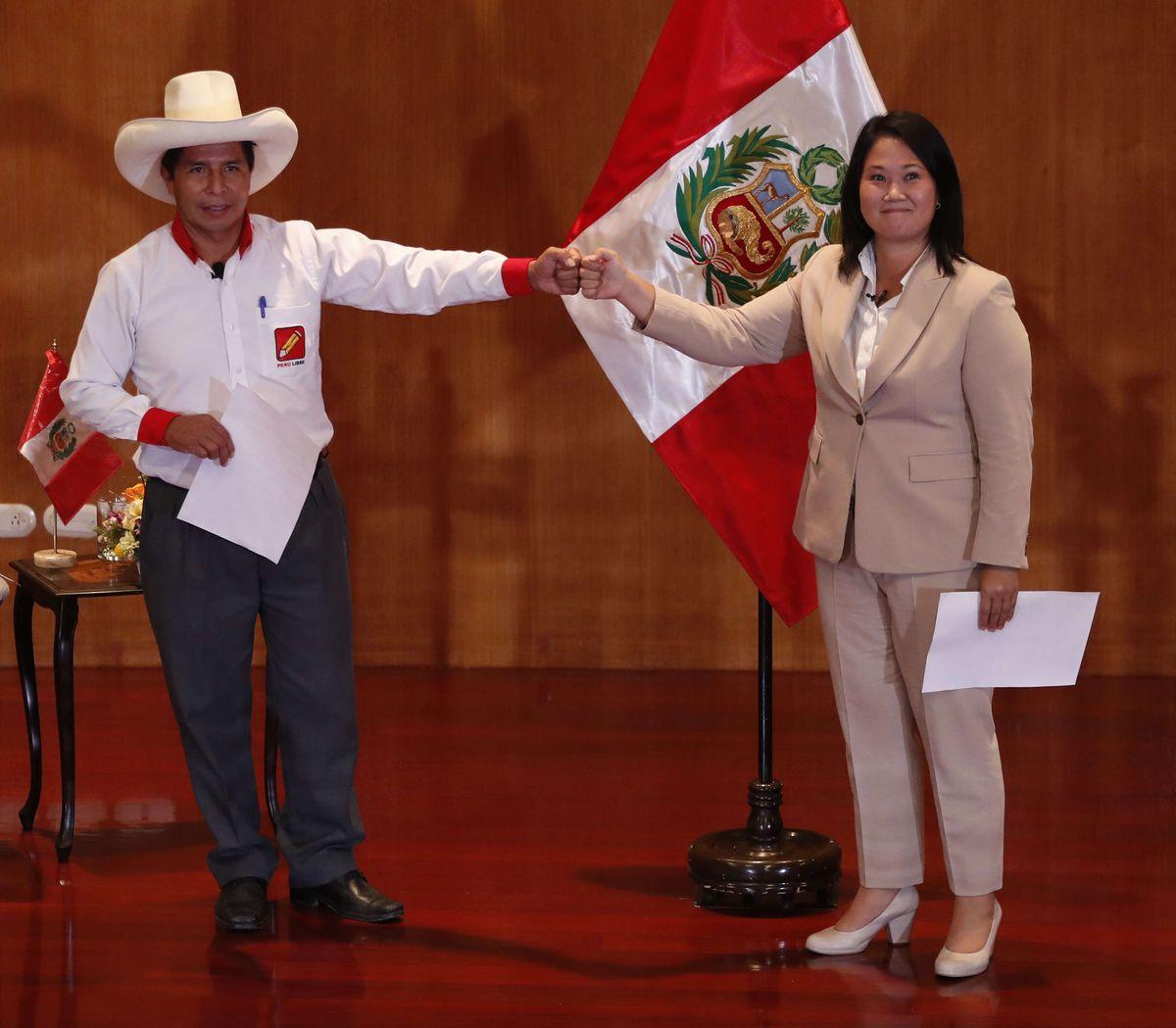 Claves de la estrecha elección presidencial que divide a Perú  Internacional