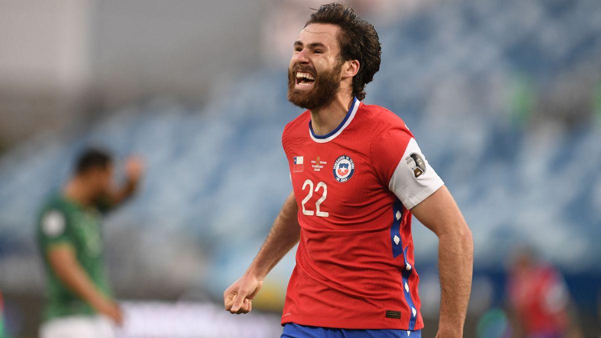 Copa América: Ben Breretton, gol inglés (requerido) de Chile  Copa de fútbol americano 2021