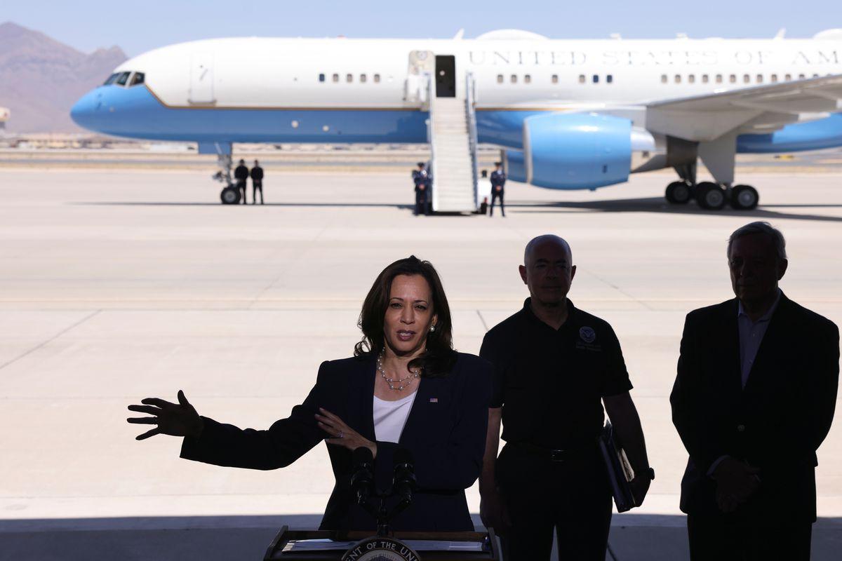 El Paso: Kamala Harris visita la frontera mexicana para calmar las críticas republicanas    Internacional