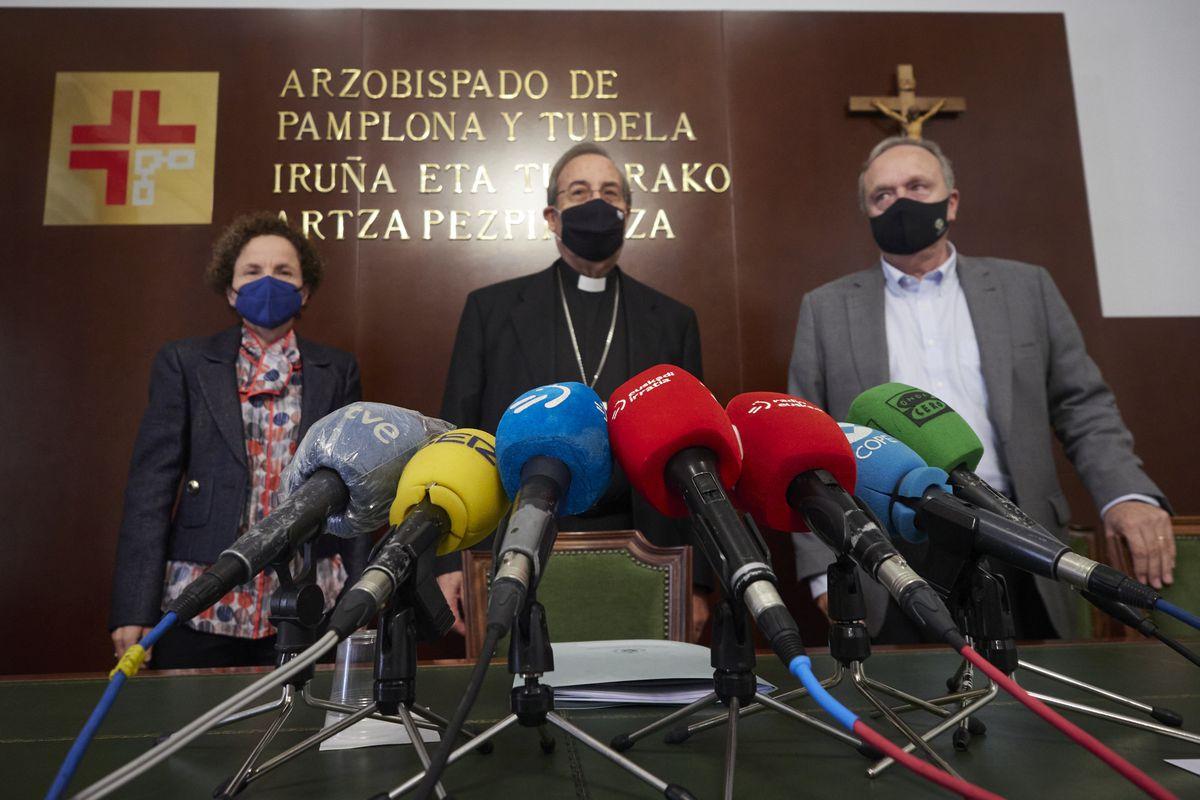 """El arzobispo de Pamplona sobre la violencia contra los niños: """"Me duele y llora el corazón.  Me disculpo  Comunidad"""