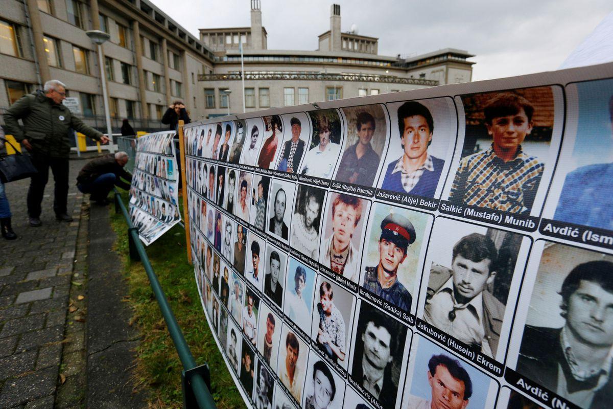 Guerra de los Balcanes: Jefes de espionaje serbios con Milosevic condenados a 12 años de prisión por crímenes de guerra contra bosnios y croatas    Internacional