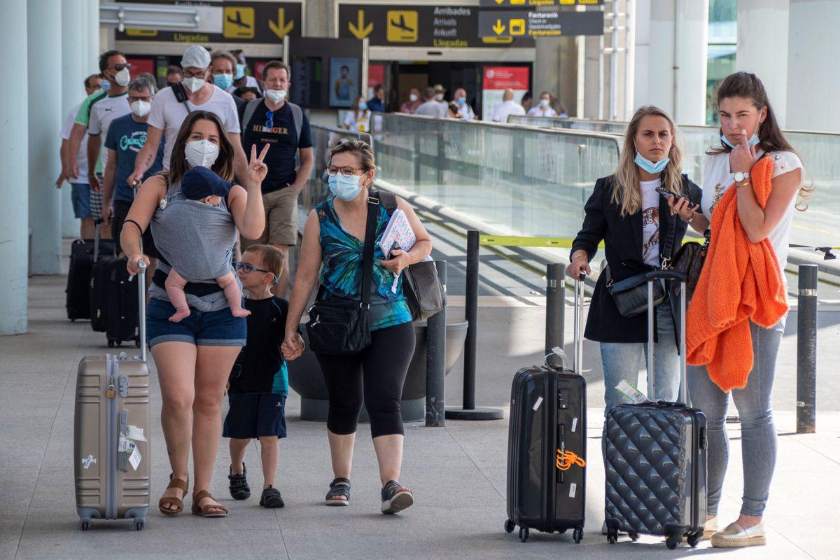 Guía de viaje de España actualizada: requisitos de acceso para turistas extranjeros  Ciencias económicas