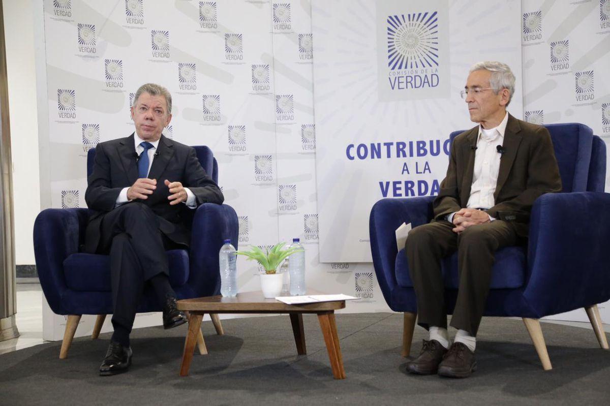 Juan Manuel Santos defiende su papel para poner fin a las ejecuciones extrajudiciales en Colombia    Internacional