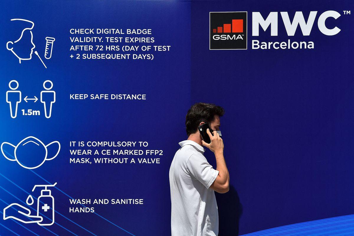 MWC: comienza el congreso mundial móvil menos concurrido y más esperado  Ciencias económicas