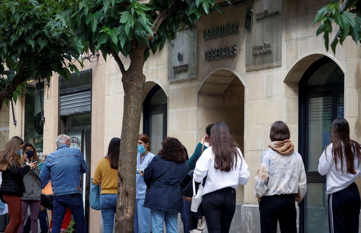 Macro brote de covid entre estudiantes que viajan a Mallorca afecta a unos 400 jóvenes de seis comunidades    Comunidad