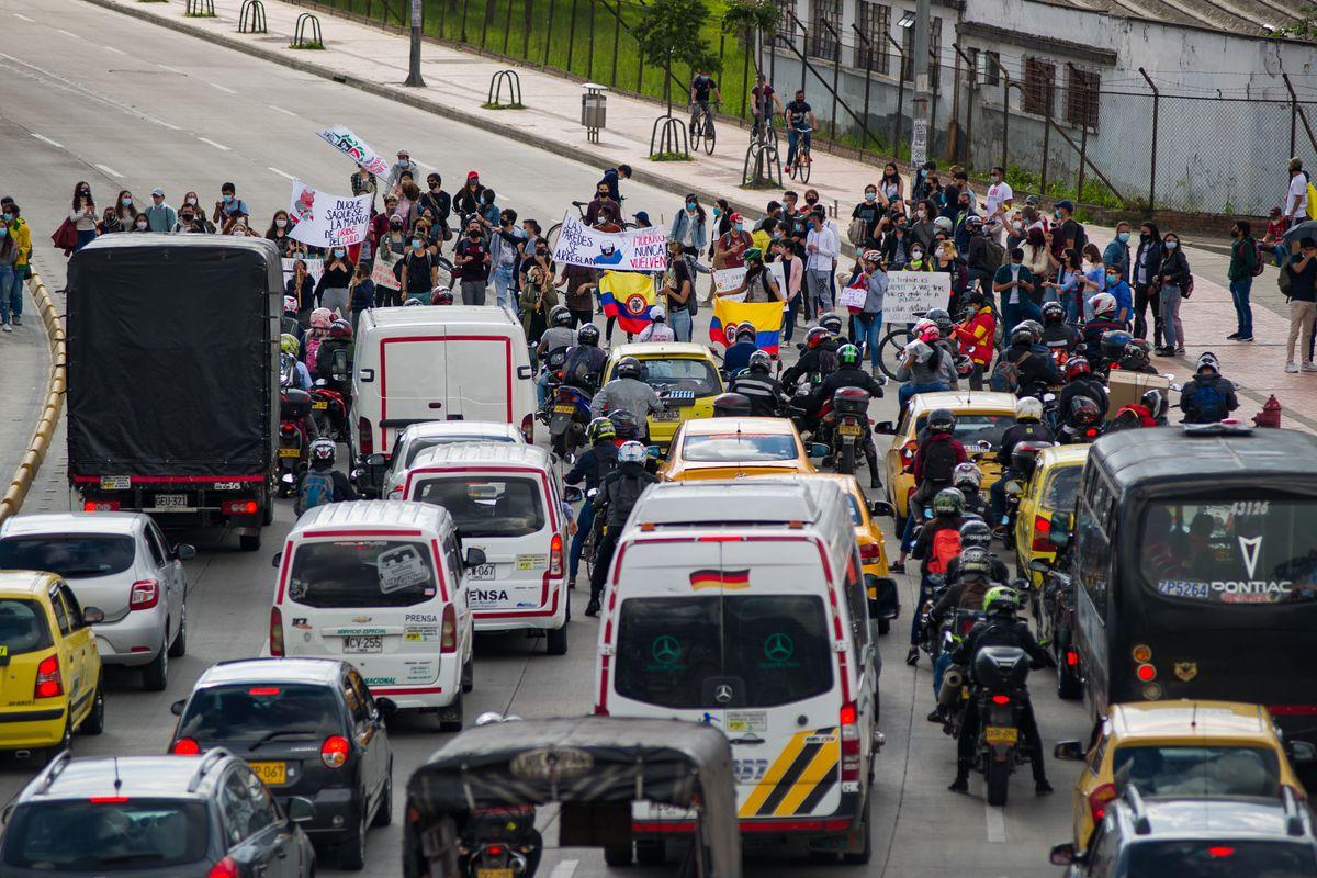 Protestas en América Latina: Gobierno colombiano estipula diálogo al final de los cortes de ruta |  Internacional