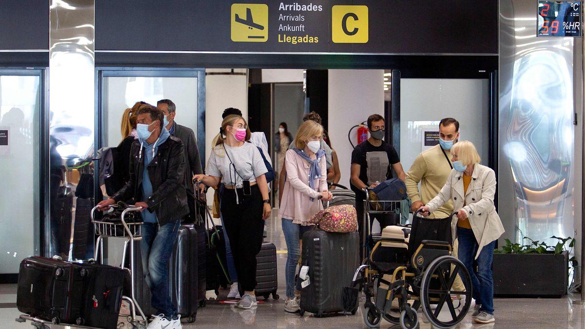 Reino Unido: España exigirá PCR negativo o vacunación completa a los turistas británicos a partir del viernes    Ciencias económicas