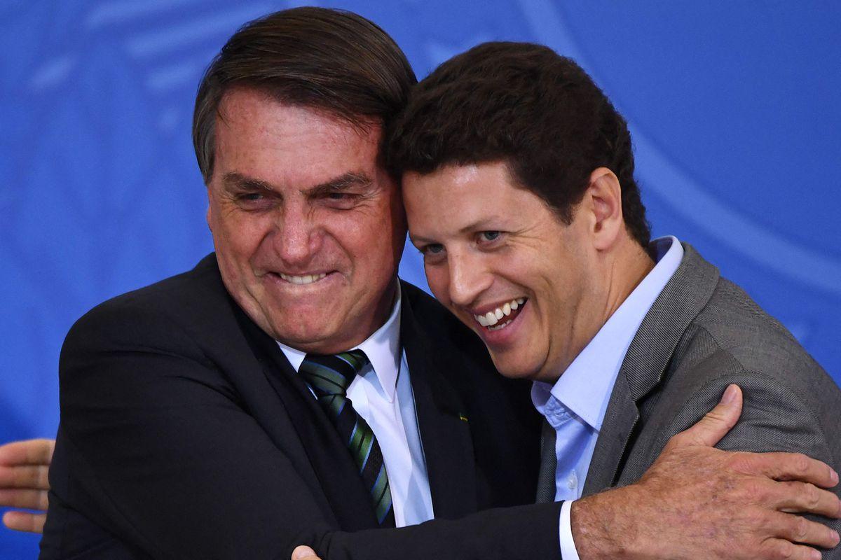 Ricardo Sales: El ministro de Medio Ambiente de Brasil dimite con la deforestación acelerada    Internacional