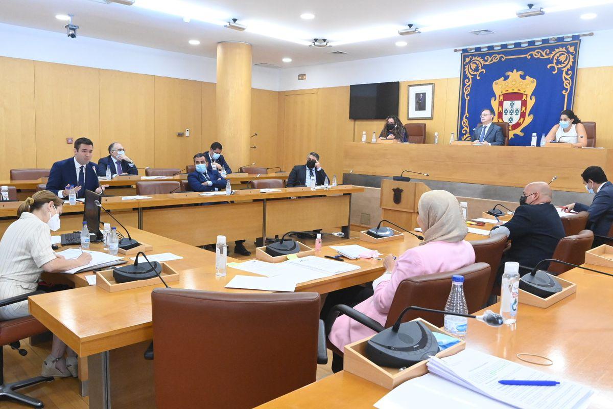 """Vox pide un nuevo alto al Pleno de Ceuta, acusando a legisladores musulmanes de """"pro-marroquí""""    España"""