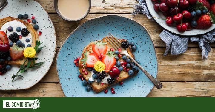 ¿Es mejor comer más por la mañana y menos por la noche?