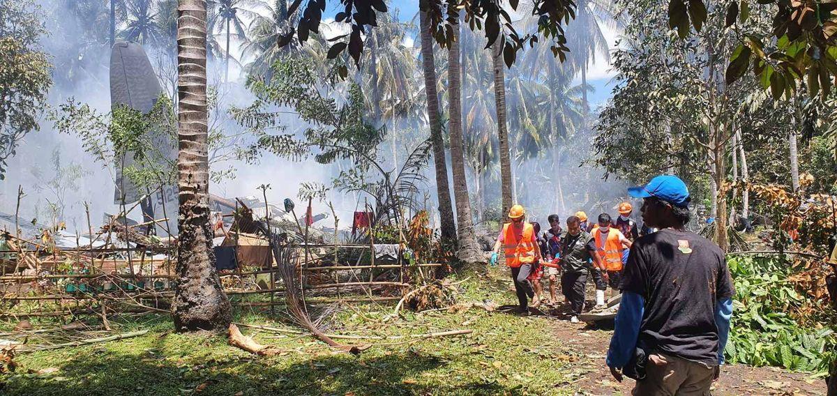 Al menos 17 personas mueren en el sur de Filipinas en un accidente de avión militar  Internacional