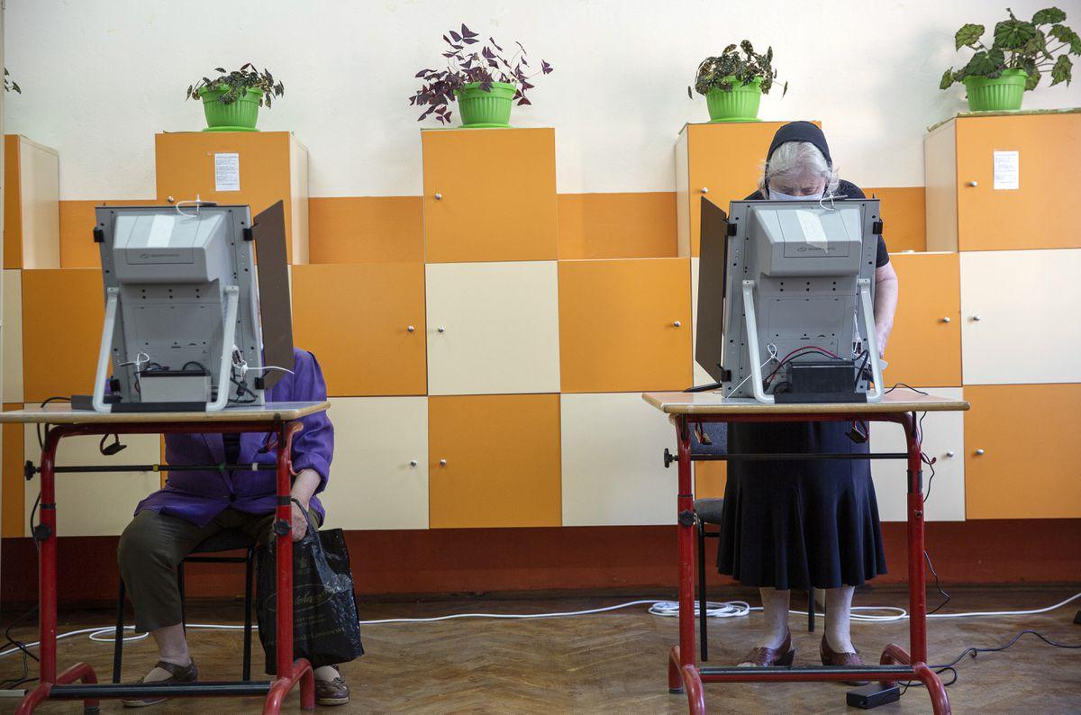Boyko Borissov vuelve a ganar las elecciones búlgaras, según las encuestas iniciales  Internacional
