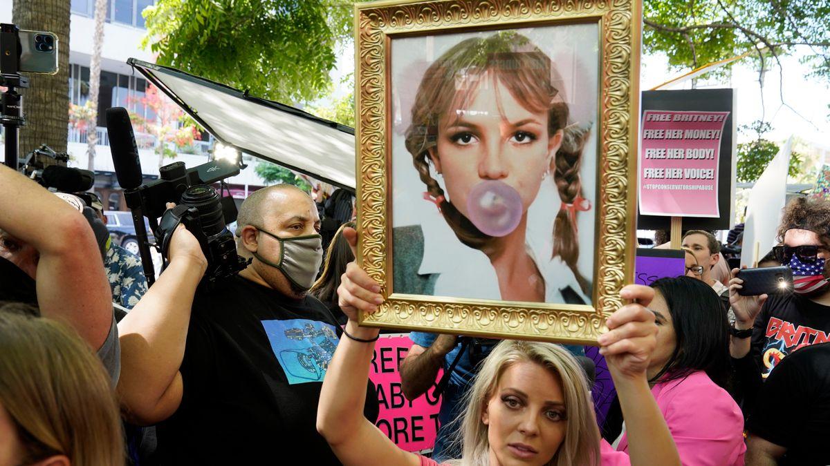 Britney Spears logra su primer triunfo legal: elige a su propio abogado que quiere destituir a su padre |  Personas