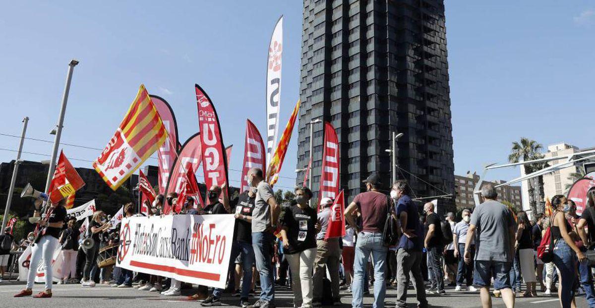 CaixaBank y sindicatos acuerdan ERE para recortar 6.452 empleados, un 22% menos de lo anunciado    Ciencias económicas