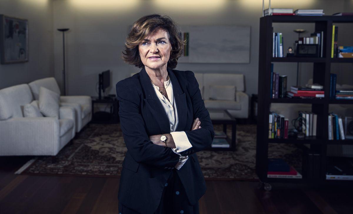 Carmen Calvo paga el desgaste de la coalición y deja el gobierno  España