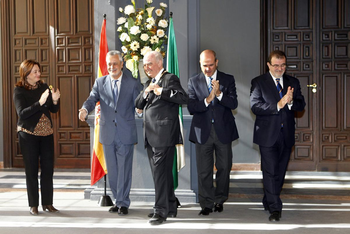 Ciudadanos desconoce la propuesta de la Junta de Andalucía de pagar a los ex presidentes a bordo |  España