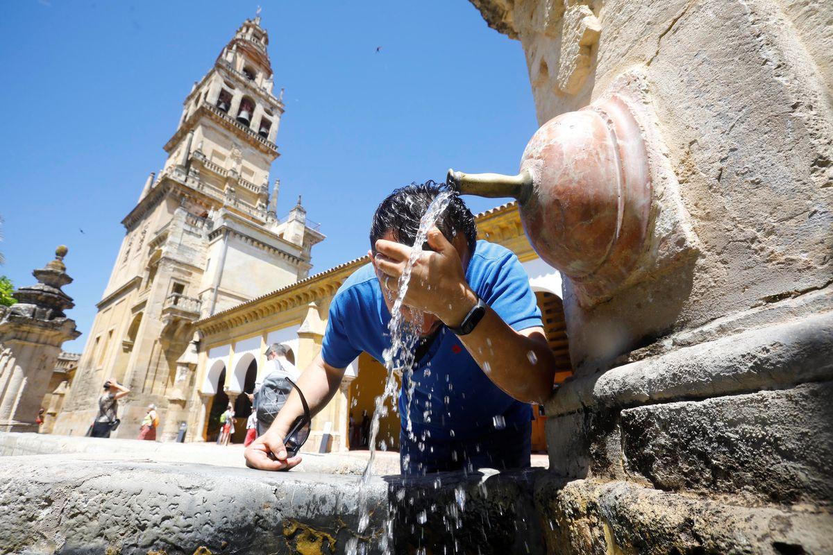 Clima: Valencia, Alicante, Málaga y Murcia, aviso de naranja por temperaturas cercanas a los 40º    Comunidad valenciana