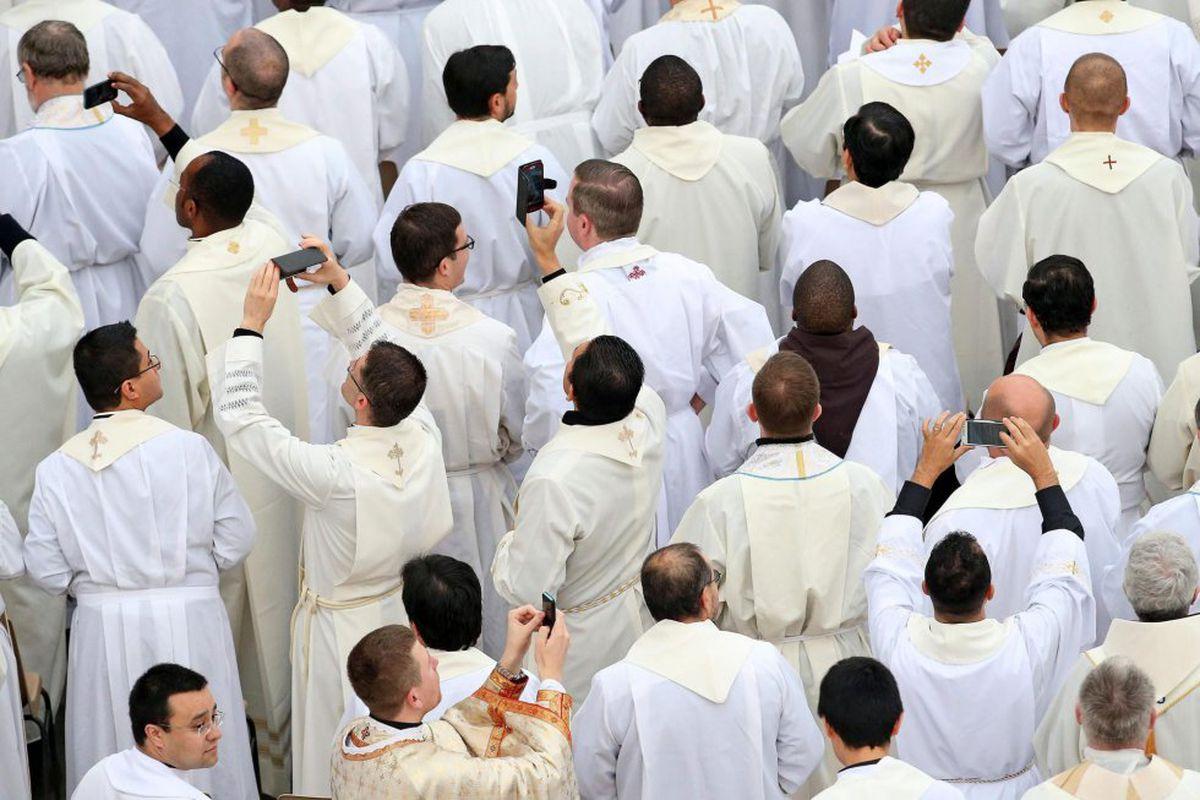 Comienza el juicio contra el sacerdote salesiano de Vigo, acusado de abusar de seis menores en 2019.    Comunidad