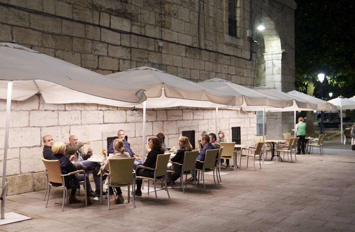 Covid-19: Cantabria pide justicia por toque de queda y restricción de reuniones a seis    Comunidad