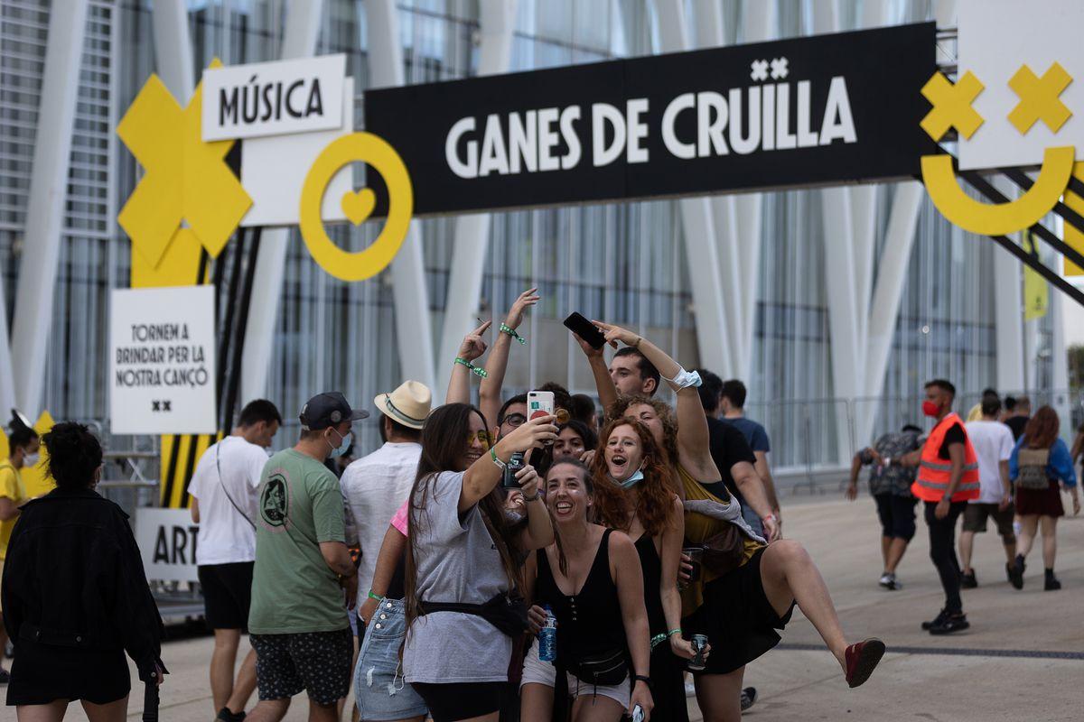 Crüilla cierra sus puertas ofreciendo cribado de pandemias  Cultura