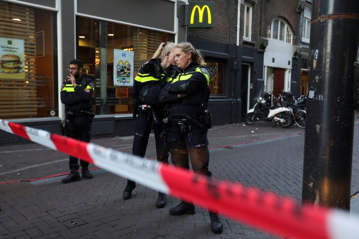 Destacado periodista holandés que investiga el crimen organizado asesinado a tiros en Amsterdam |  Internacional