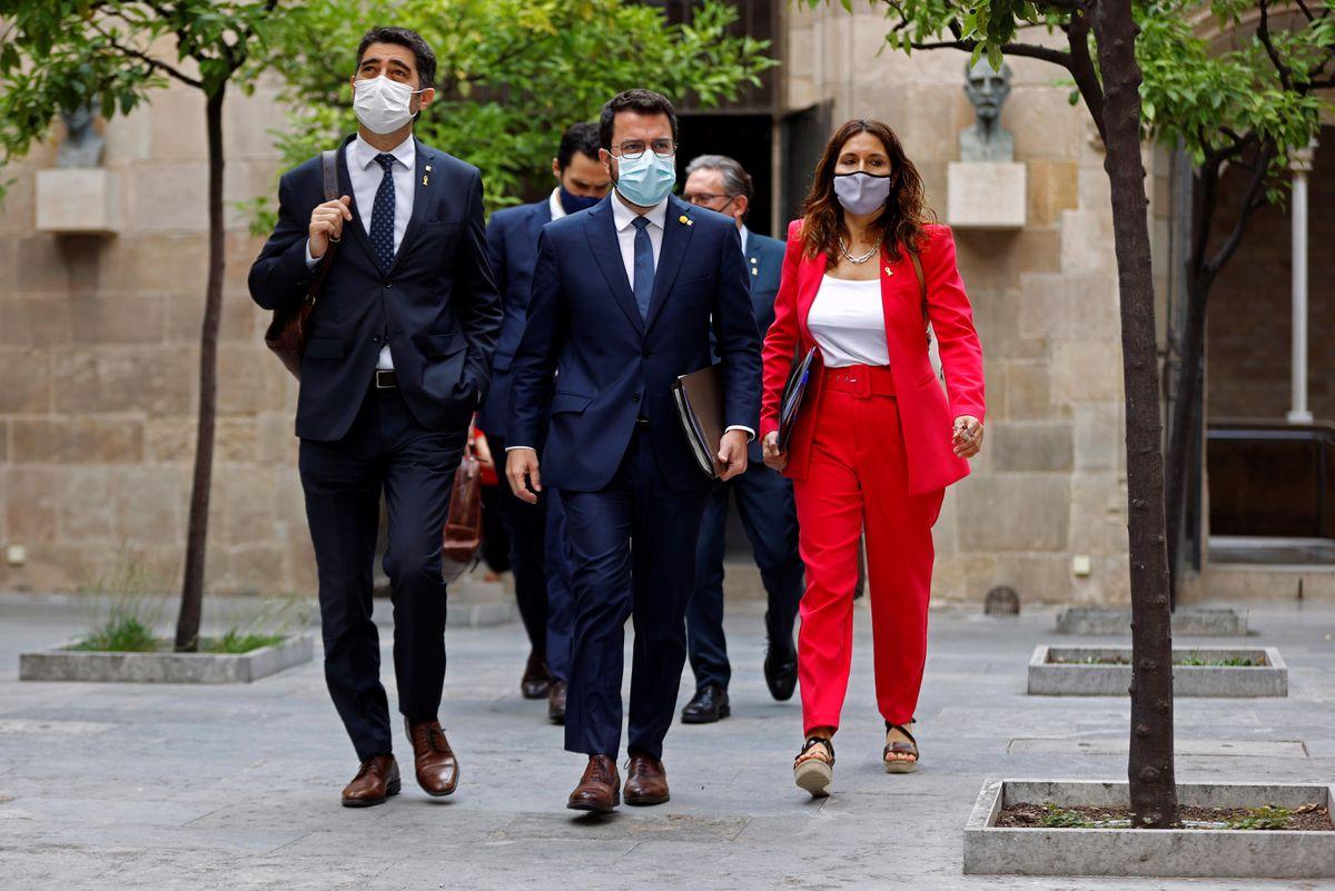 Dos magistrados progresistas y uno conservador decidirán si la aprobación de la Generalitat es legal    España