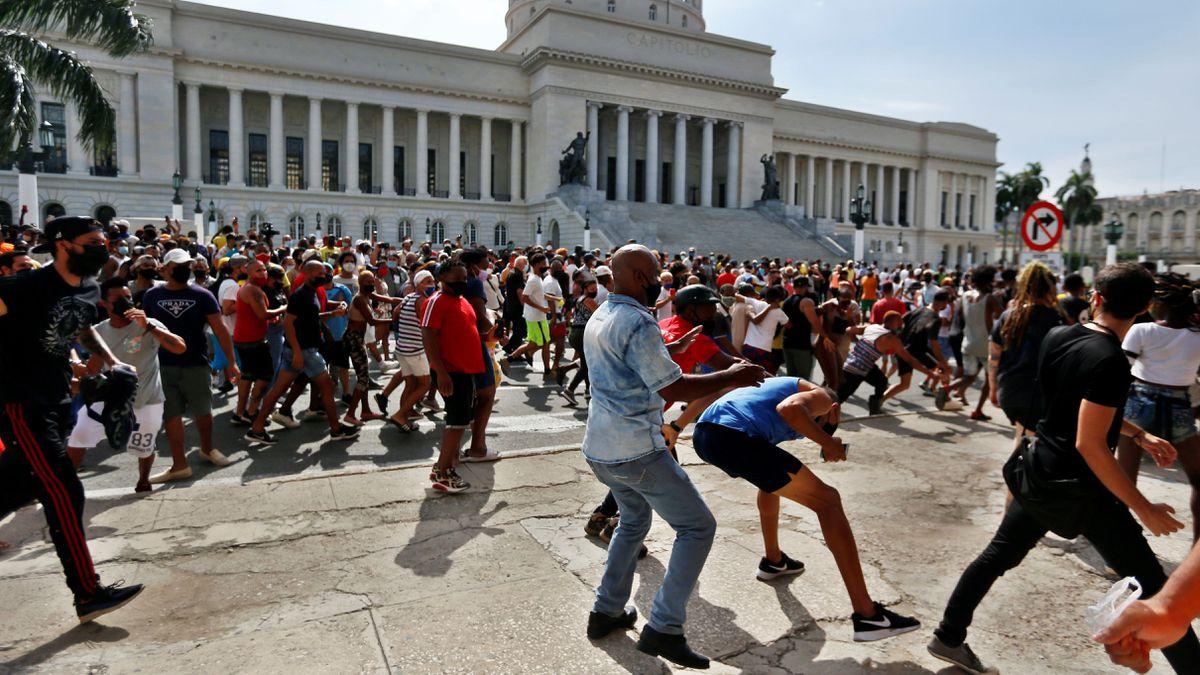 Eclipse de Internet enfría movilizaciones en Cuba  Internacional