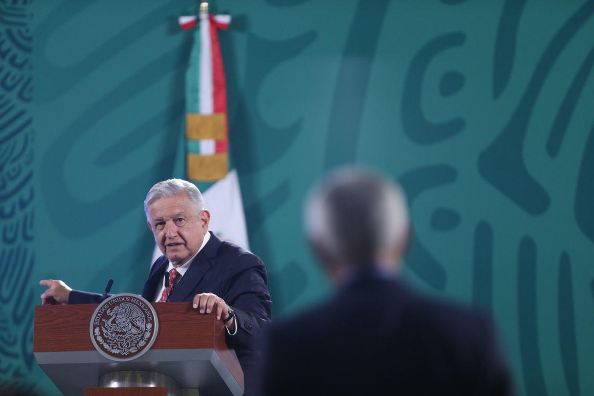 El 62% de los mexicanos cree que López Obrador usó la conquista para involucrarse en política