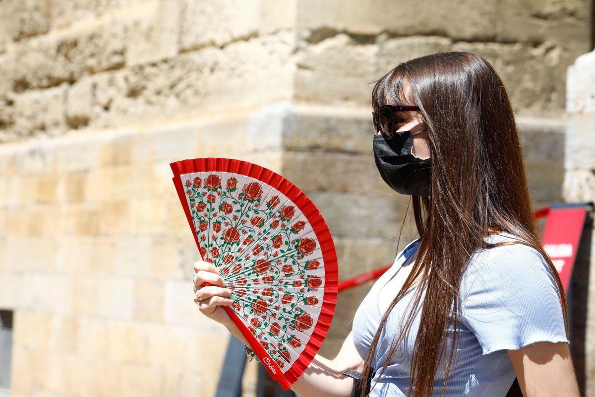 El calor extremo advierte a ocho comunidades, peor en Andalucía, Castilla-La Mancha, Extremadura y Madrid |  España