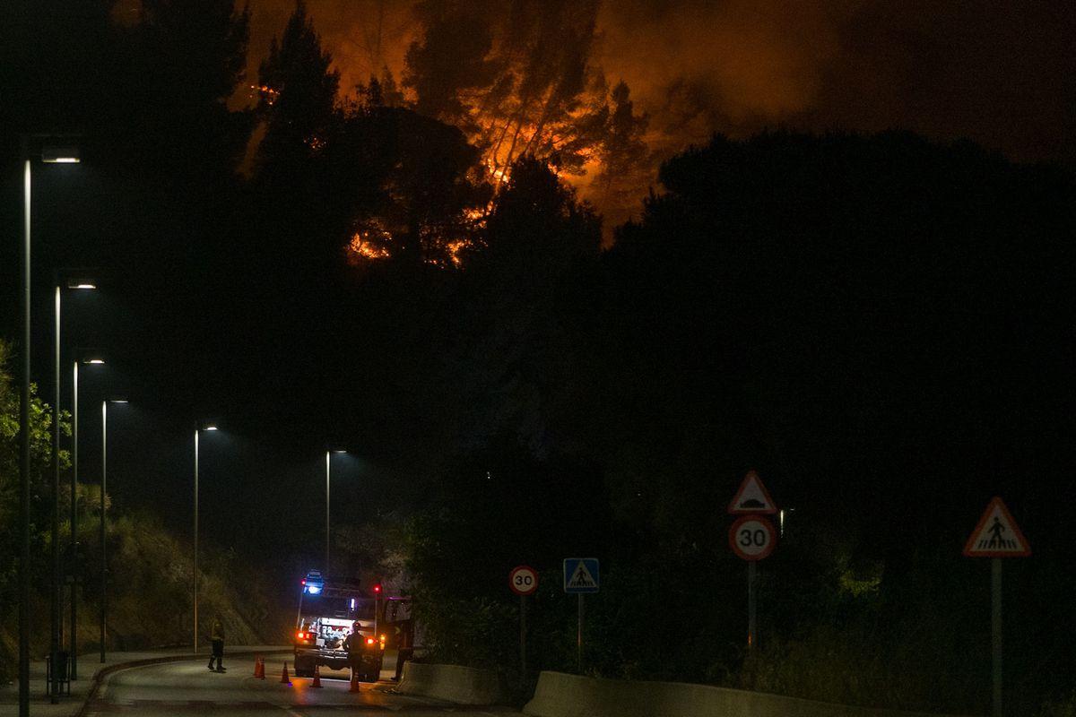 El incendio de Castelvi y Martorell en Barcelona ya ha quemado unas 220 hectáreas |  Cataluña