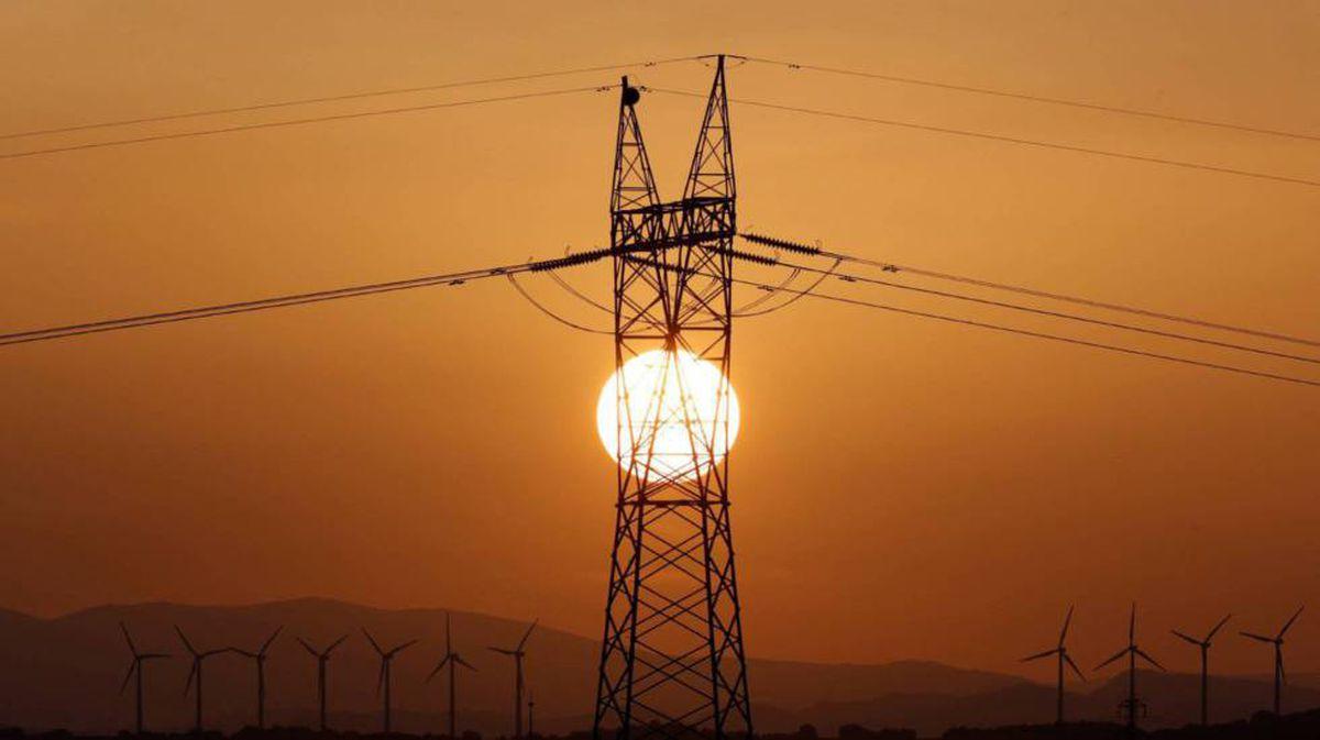 El precio de la electricidad rompe todos los récords, subiendo hasta los 106,57 euros, el nuevo récord histórico |  Ciencias económicas
