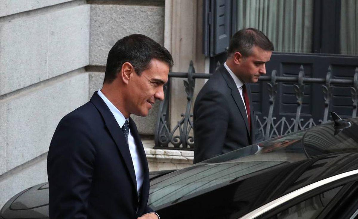 Euforia en el PSOE por la salida del gobierno de Iván Redondo  España