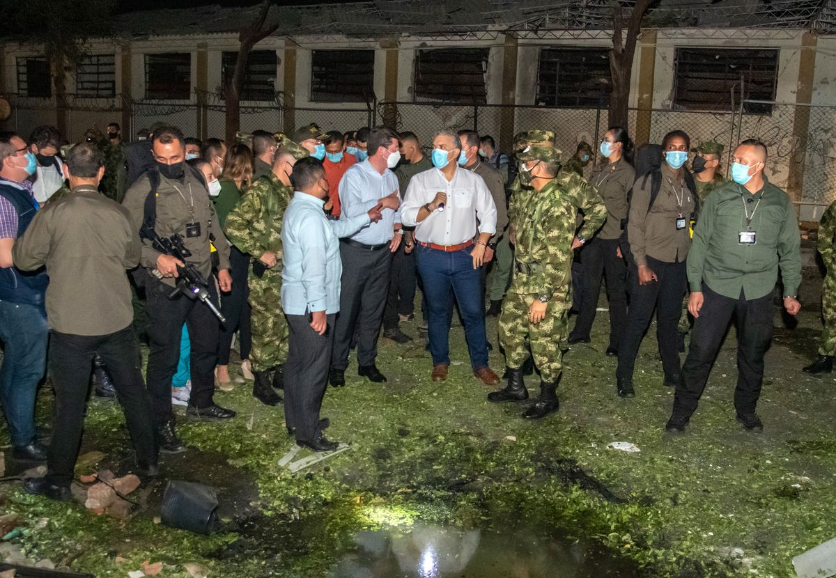 Ex militar colombiano identificado entre los responsables del ataque al presidente Iván Duque |  Internacional