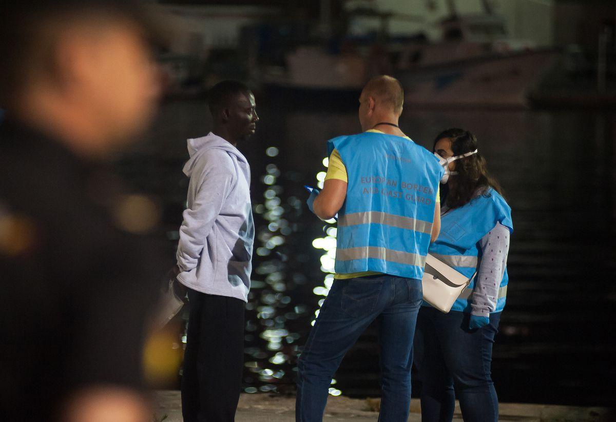 Guardia Civil de Alicante ordena a sus agentes no compartir información con Frontex    España